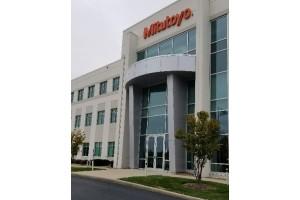 Gaging.com Visits Mitutoyo U.S. Headquarters